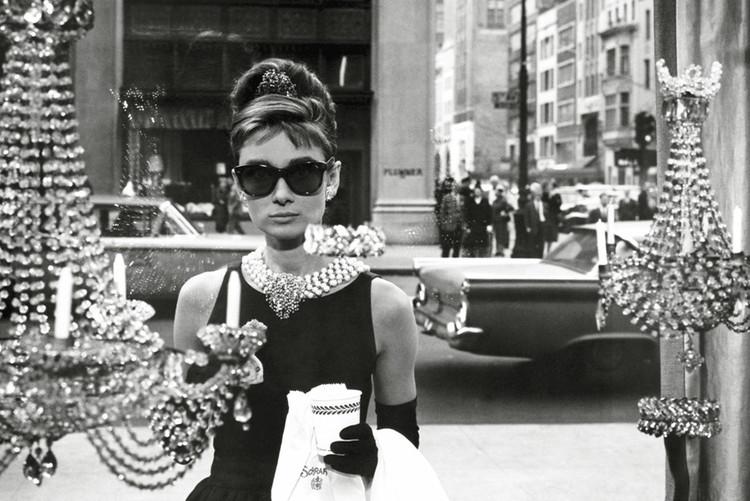 Posters Plakát, Obraz - Audrey Hepburn - window, (91,5 x 61 cm)