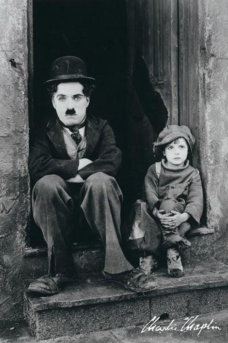 Posters Plakát, Obraz - Charlie Chaplin - doorway, (61 x 91,5 cm)