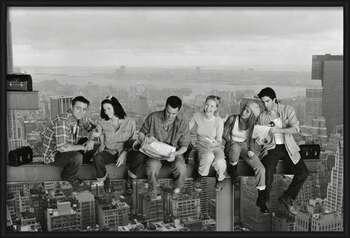 Friends - Lunch On A Skyscraper rámovaný plakát