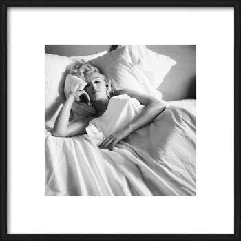 Rámovaný plakát Marilyn Monroe - Bed