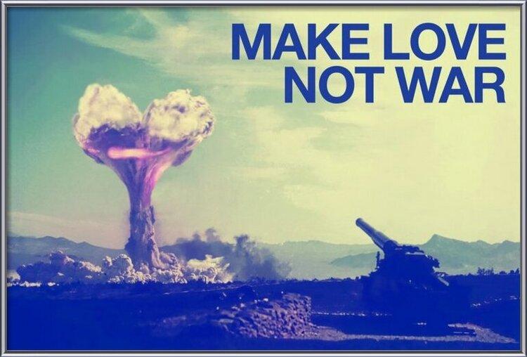 Plakát Make love not war