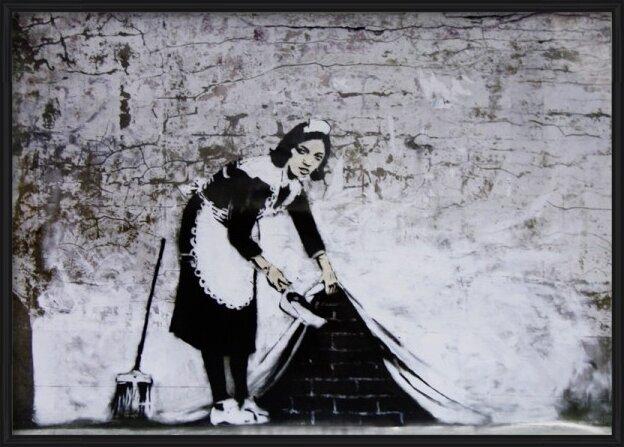 Plakát Banksy Street Art - Cleaning Maid