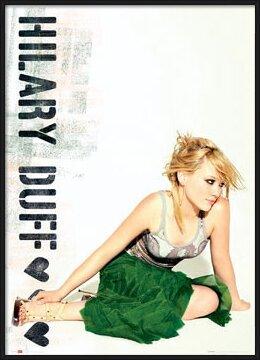Plakát  Hilary Duff - green skirt